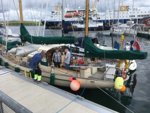 'Endeavor & 'Talisker 1' Lerwick Harbour